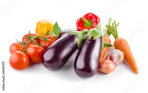 Fotobehang Groenten Vegetables isolated on a white background
