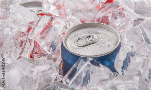 A can of cola drinks with ice cubes - 60320516