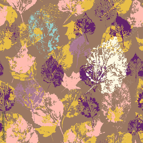 Seamless texture with stamped autumn leaves