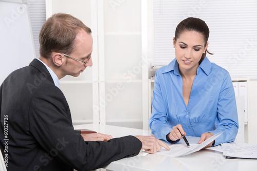 Beratung - Berater und Kunde im Gespräch