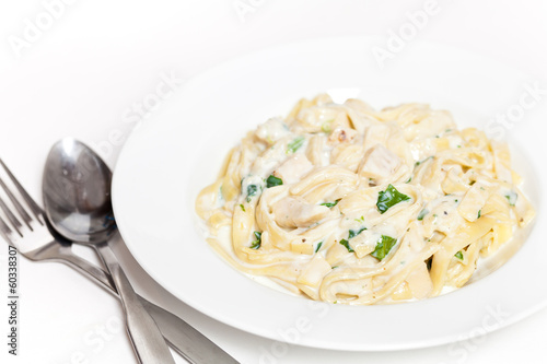 Chicken fettuccine alfredo with spinach