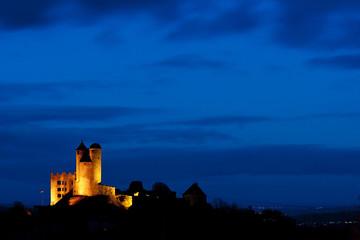 Burg Greifenstein (Ruine) in der blauen Stunde