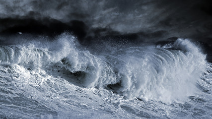 Big Atantic wave