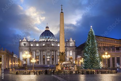 Leinwandbild Motiv Basilique Saint-pierre de Rome à Noël