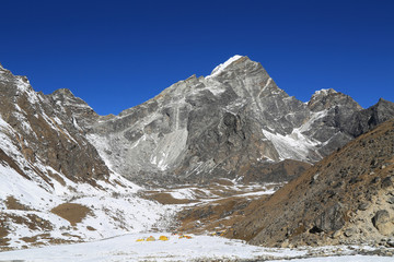 arakamtse peak basecamp from everest trek