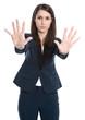 Frau isoliert - abwehrende Haltung - Stopp - Mobbing