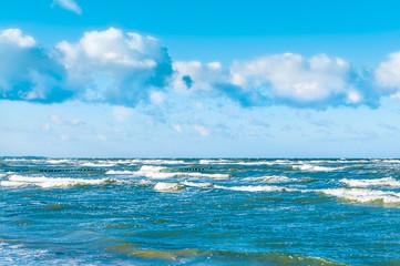 Windstärke am Meer, Wellen, Schaumkronen