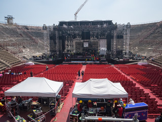 Building a concert stage