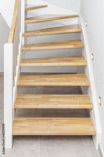 Leinwanddruck Bild Treppenstufen Holztreppe