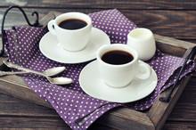 Café dans des tasses