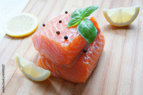 Salmon with basil and lemon
