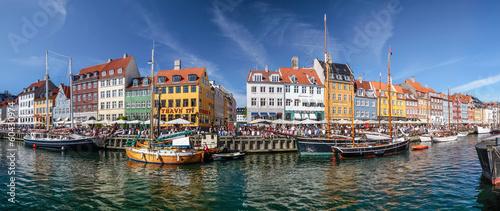 City on the water Panorama von Nyhavn in Kopenhagen