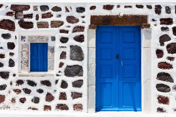 Porta blu di legno