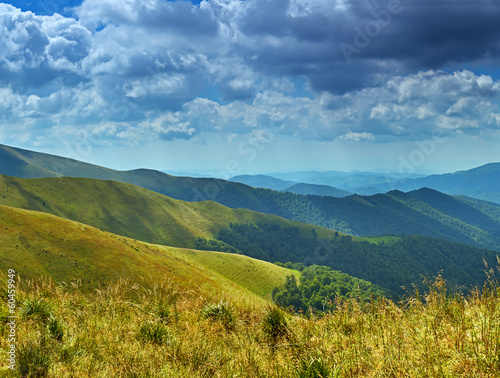 Travel along the ridge in summer