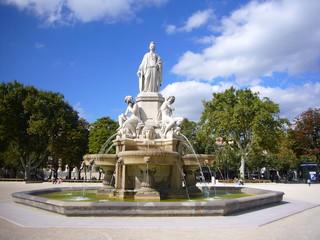 Fontaine. Esplanade Nîmes
