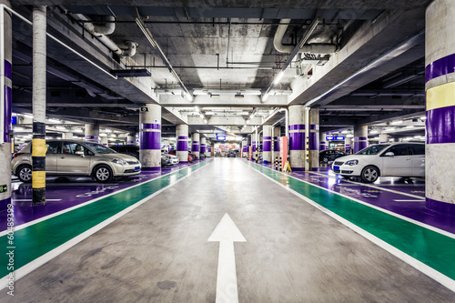 Underground parking aisle - 60489399
