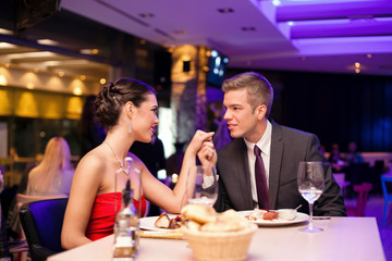 couple exchanged tenderness at restaurant