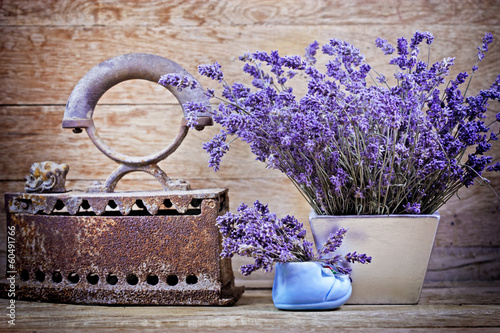 suchy-lawendowy-i-rustykalny-zardzewialy-zelazo-styl-vintage