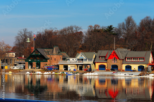 Tuinposter Dam The famed Philadelphia's boathouse row in Fairmount Dam Fishway