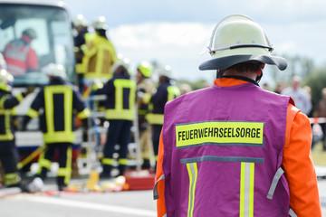 Seelsorger der Feuerwehr an einer Einsatzstelle
