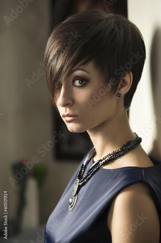 Beautiful woman - 60501924