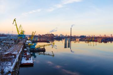 Trade dock cranes