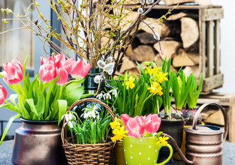 home interior easter decoration with spring flowers
