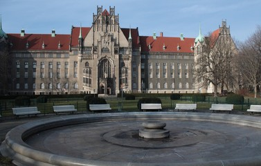 Brunnenplatz und Amtsgericht in Berlin-Wedding