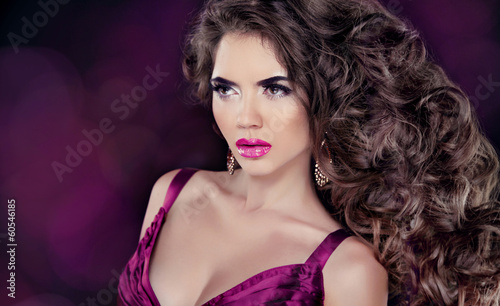 Glamour Fashion Woman Portrait. Beautiful brunette with long wav