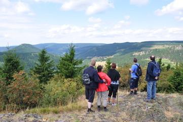 Wandergruppe auf dem Ruppberg / Thüringer Wald