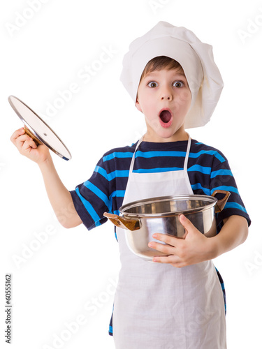 Amazing little chef opens the pot