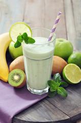 Banana smoothie with kiwi