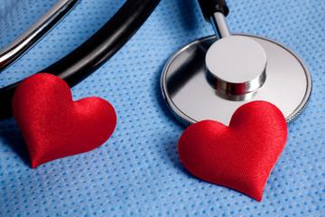 stetoscopio e cuori