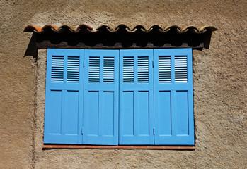 volet bleu