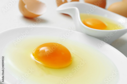 cracked chicken eggs