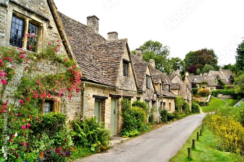 Fotobehang Noord Europa Houses of Arlington Row in the village of Bibury, England