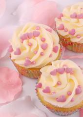 cupcake con cuori rosa