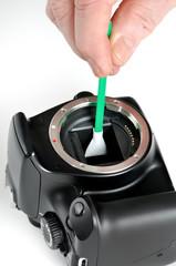 Pulizia manuale di un sensore digitale di una fotocamera