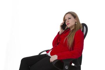 Junge Businessfrau telefoniert
