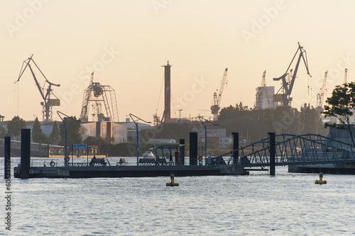 Skyline Hamburg Hafen - 60623152