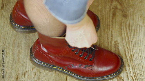 Red leather boots episode 4