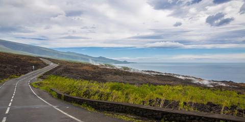 Street through Grand Brûlé, La Réunion