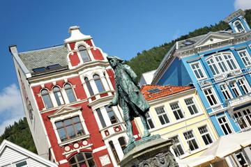 Ludvig Holberg Denkmal auf dem Platz Vagsallmenningen in Bergen