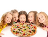 Fototapety Happy kids with big pizza