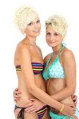 Freundinnen im Bikini
