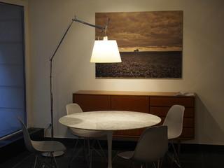 Beleuchtetes Arbeitszimmer