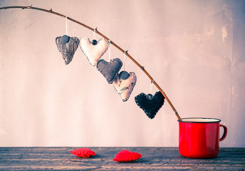 Heart hanging twig red cup