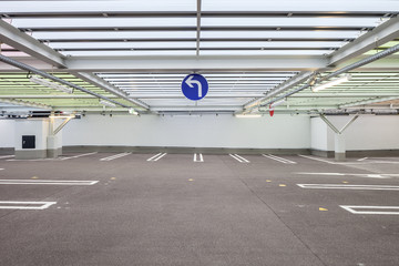 Parkhaus Parkplatz © Matthias Buehner