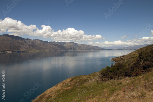 Lake and mountain landscape op new zealand.