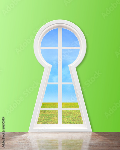 window  in form keyhole